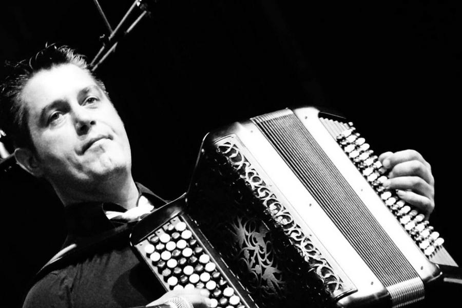 JY SERVE accordéoniste virtuose