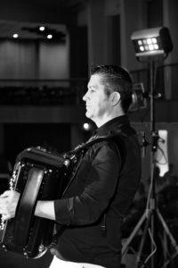 JY SERVE virtuose de l'accordéon